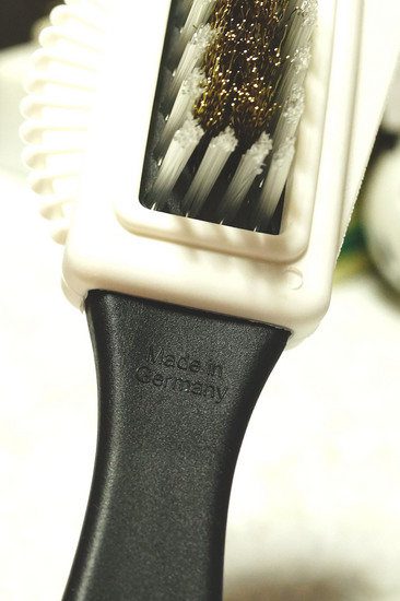 SUEDE_BRUSH_C_002.jpg